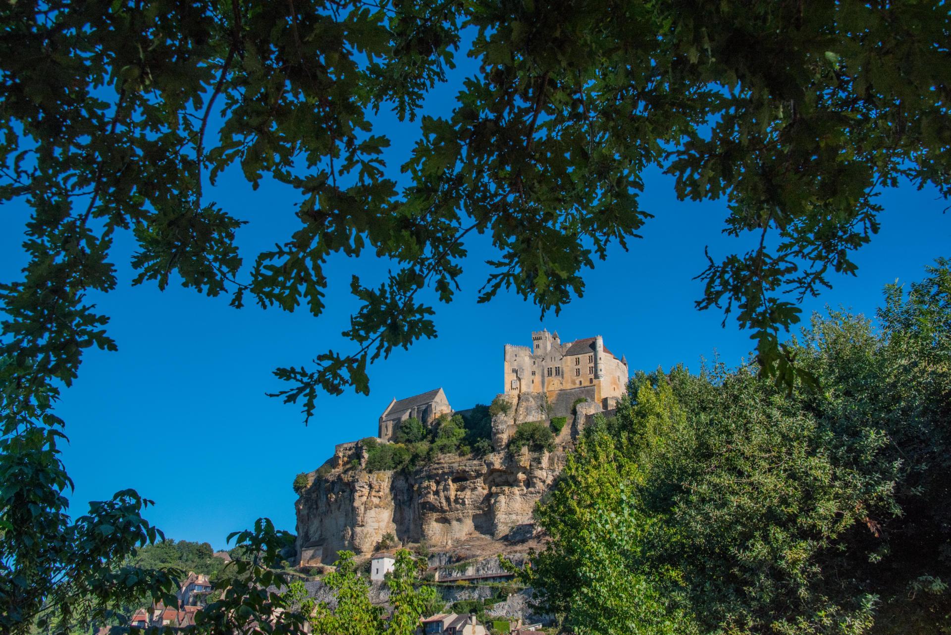 Camping proche châteaux Dordogne Beynac