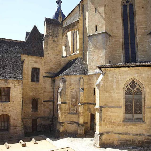 Cathédrale de Sarlat et ses enfeus