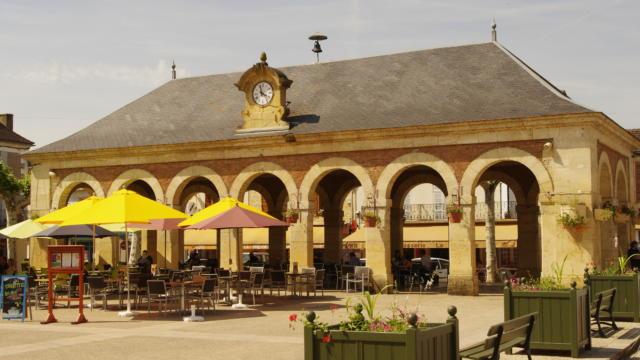 Halle du marché de Lalinde