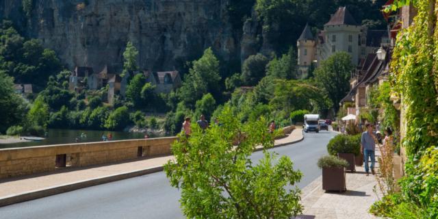 Rue principale de la Roque-Gageac