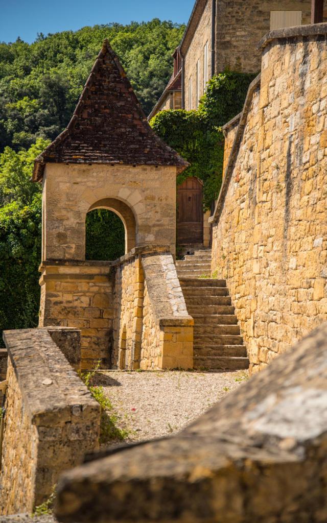 La Roque-Gageac sur la Vallée de la Dordogne