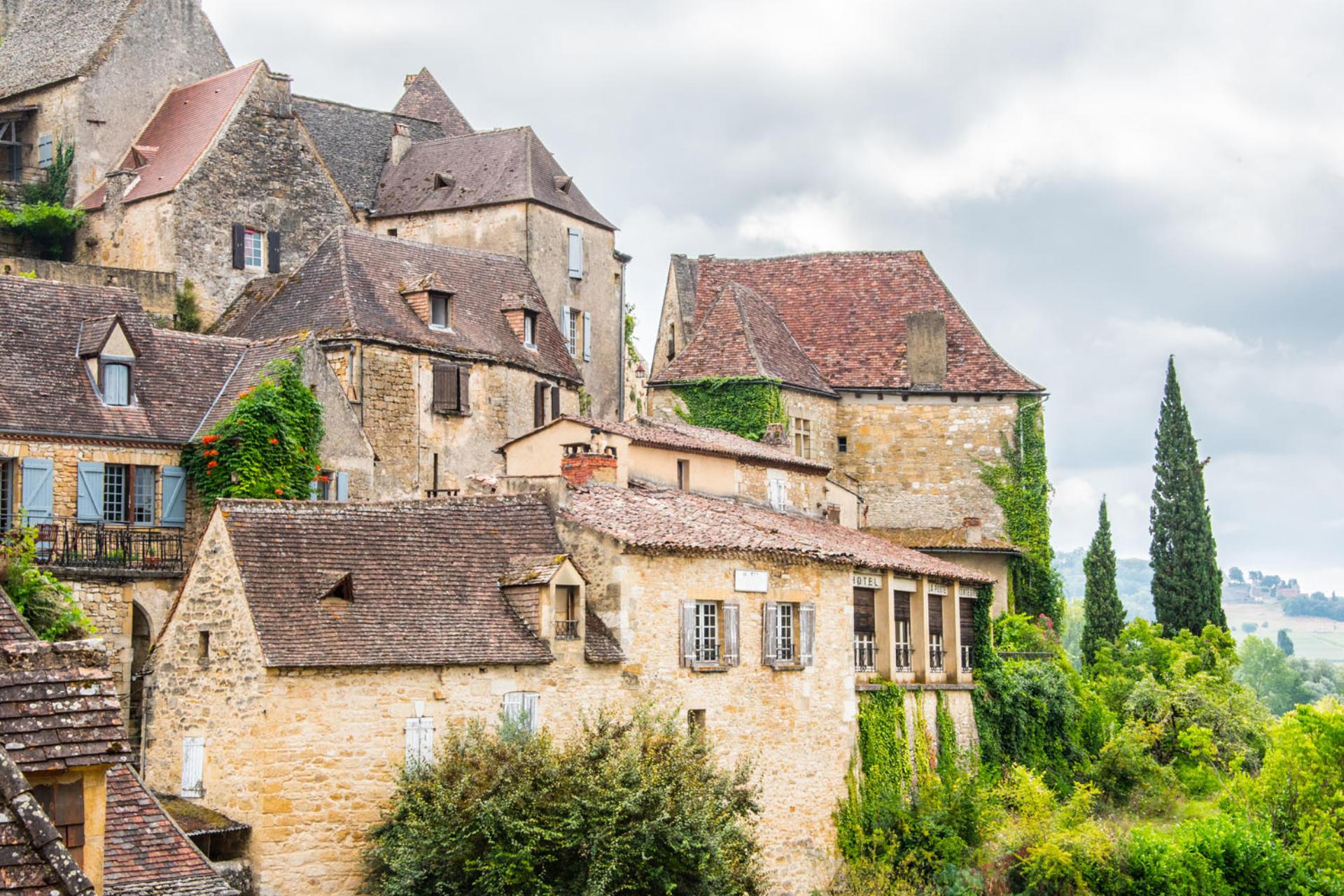 A la rencontre des plus beaux villages de france [PUNIQRANDLINE-(au-dating-names.txt) 56