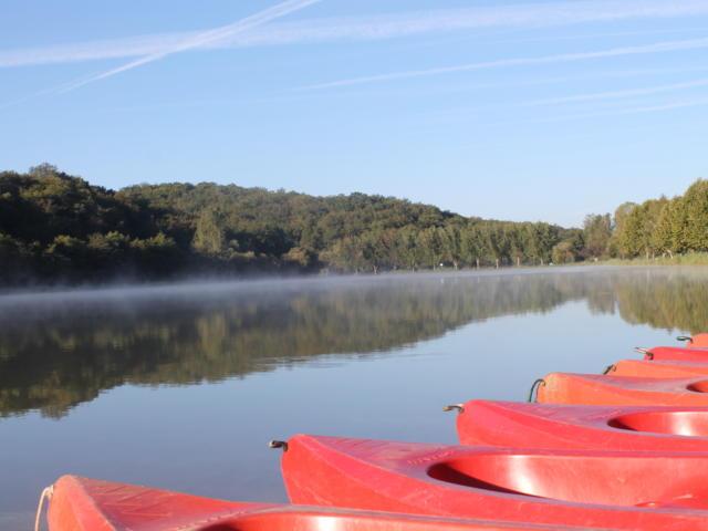 canoes sur l'etang de Tamnies