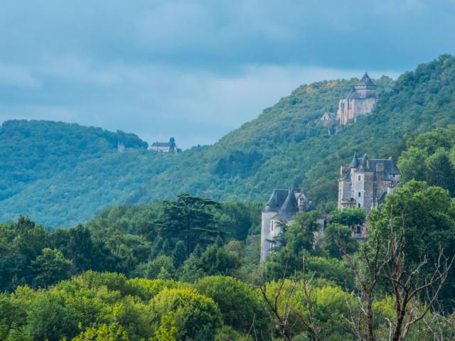 Les Chateaux de la vallée de la Dordogne