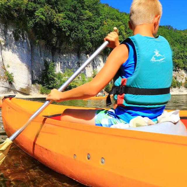 Enfant Canoe