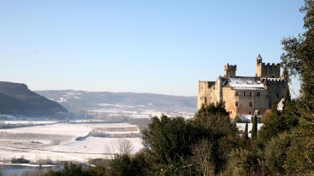 Château de Beynac sous la neige