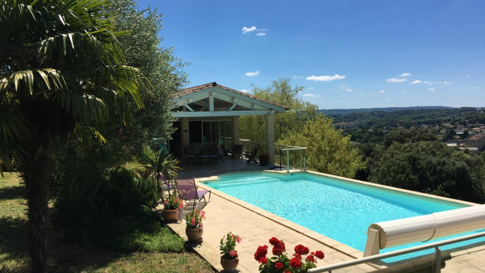 Villa De La Source à Sarlat Maison De Vacances 6 Pers Avec Piscine Privée Et Chauffée